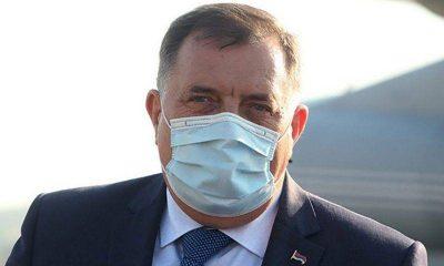 Milorad Dodik maska