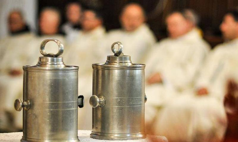 uskrs svećenici